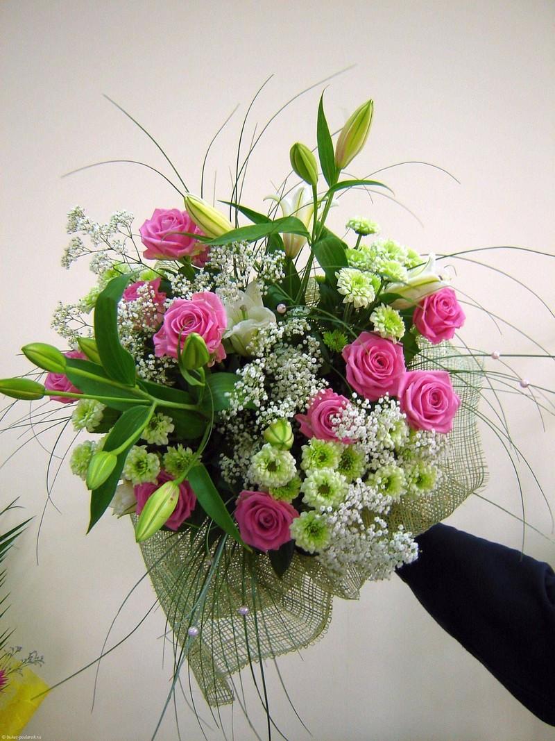 Оформить букет цветов в домашних условиях